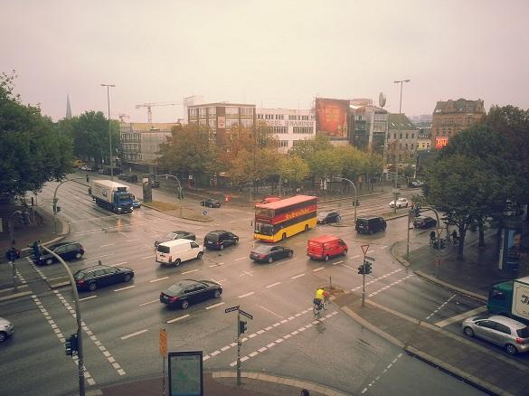 Neuer Fensterblick auf die Königstraße / Reeperbahn aus der PR und Content Marketing Agentur Görs Communications in Hamburg